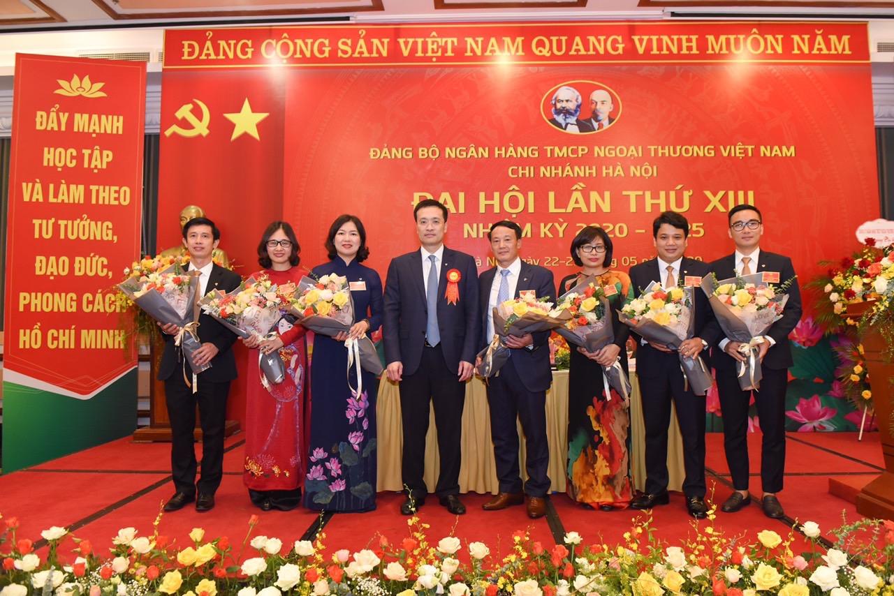 Đảng bộ Vietcombank Hà Nội tiếp tục phát huy truyền thống đoàn kết