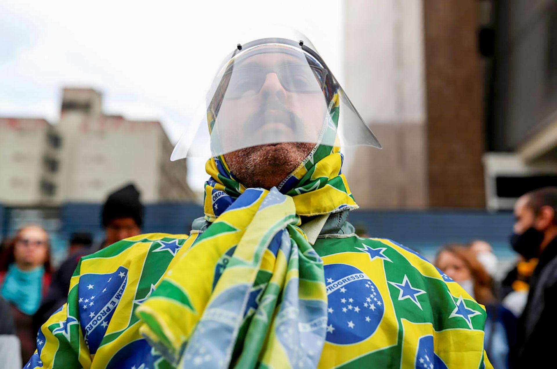 """Tuần qua Mỹ Latinh trở thành """"tâm chấn"""" mới của đại dịch COVID-19"""