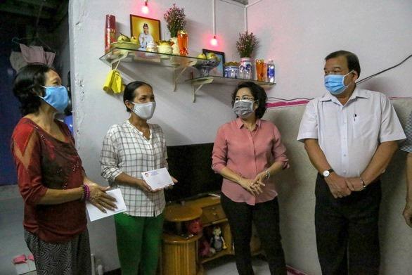 TP Hồ Chí Minh phấn đấu trước 30 6 hoàn thành hỗ trợ cho người dân khó khăn do COVID-19