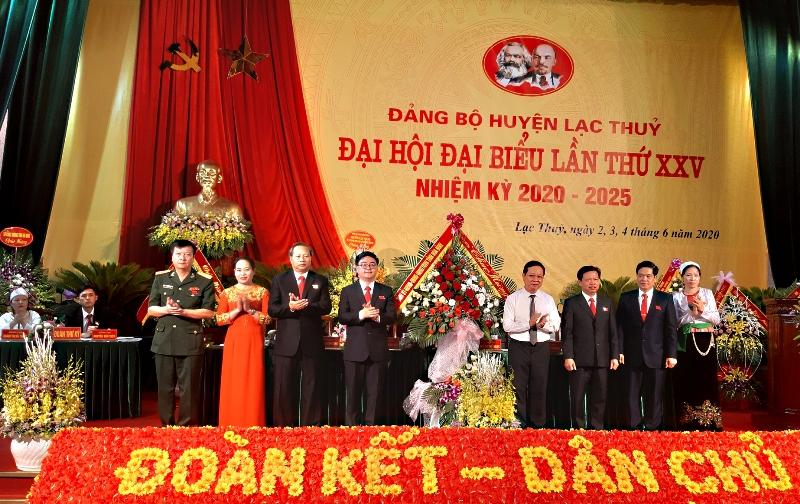 Lạc Thủy phấn đấu là huyện tốp đầu của tỉnh Hòa Bình