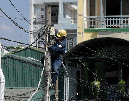 TP Hồ Chí Minh Đảm bảo an toàn điện trong mùa mưa