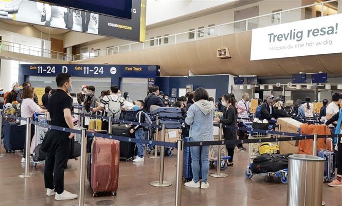 Đưa hơn 300 công dân Việt Nam từ Thụy Điển, Phần Lan về nước
