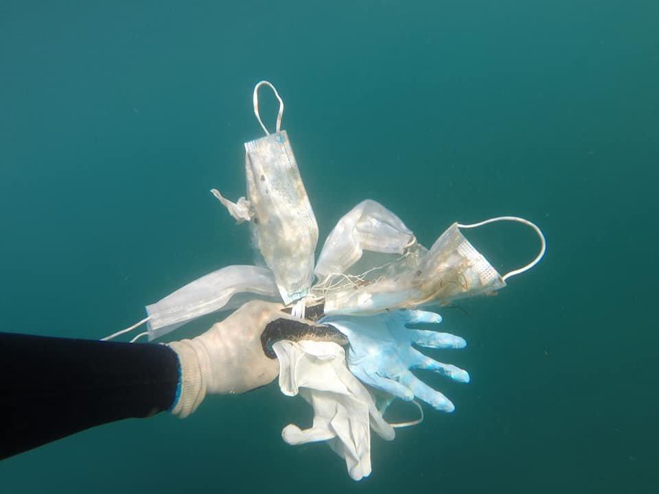 Mối nguy hại từ rác thải nhựa mùa COVID-19