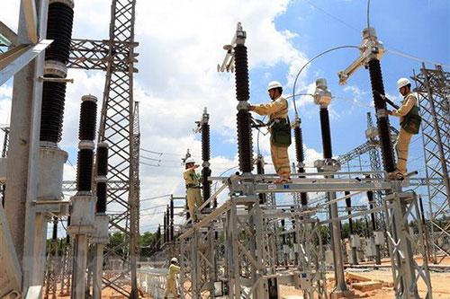 Nắng nóng cao điểm, EVNNPC khuyến cáo người dân sử dụng tiết kiệm điện