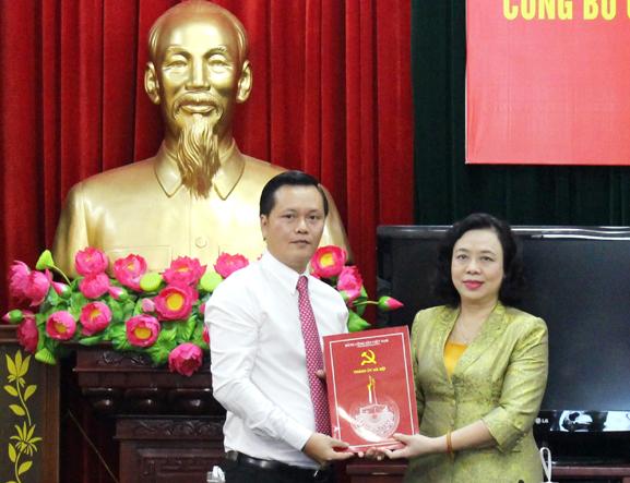 Đồng chí Trần Đức Hải giữ chức Bí thư Huyện ủy Đan Phượng