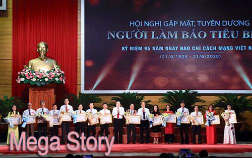 [Mega Story] Mỗi nhà báo phải có bản lĩnh chính trị vững vàng, không để tiêu cực chi phối