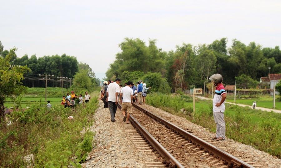 Tàu hỏa tông tử vong một người đàn ông đang nằm trên đường ray