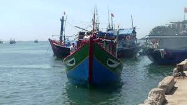 Về vụ tàu cá QNg 96416 TS ở khu vực Hoàng Sa