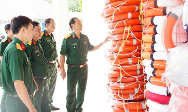 Kiểm tra công tác hậu cần tại Bộ chỉ huy Quân sự tỉnh Long An