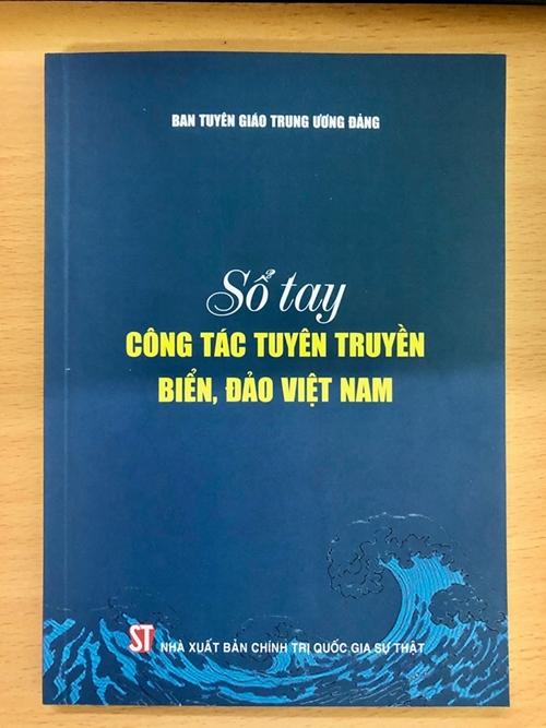 Ra mắt cuốn sổ tay tuyên truyền biển, đảo Việt Nam