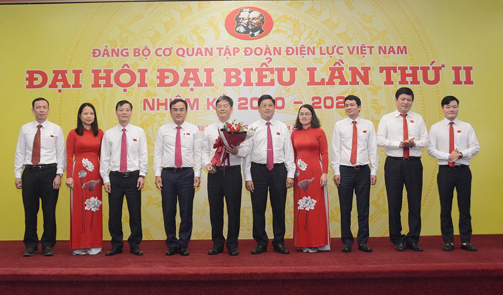Đảng bộ Cơ quan Tập đoàn phấn đấu thực hiện tốt nhiệm vụ tham mưu, giúp việc cho Tập đoàn