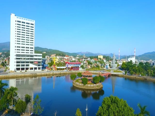 Uông Bí đẩy mạnh thu hút các nhà đầu tư chiến lược để phát triển Thành phố