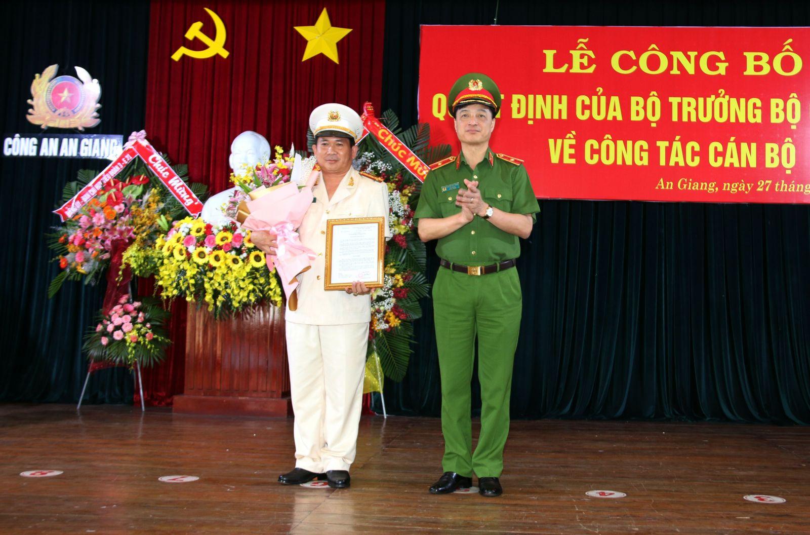 Đại tá Đinh Văn Nơi giữ chức Giám đốc Công an tỉnh An Giang