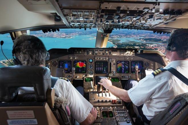 Đình chỉ 27 phi công người Pakistan