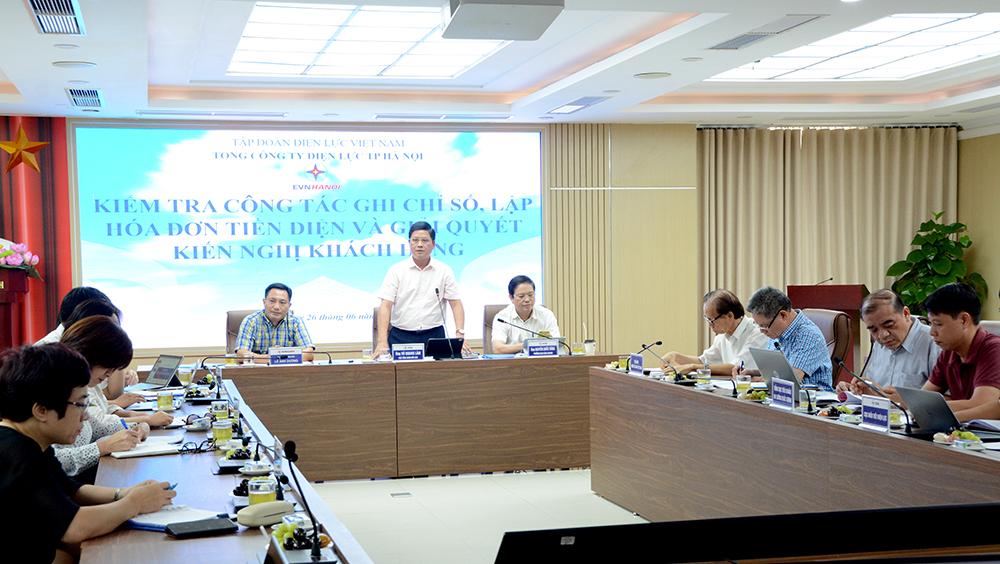 Kiểm tra công tác ghi chỉ số, lập hoá đơn tiền điện và giải quyết kiến nghị của khách hàng tại Hà Nội