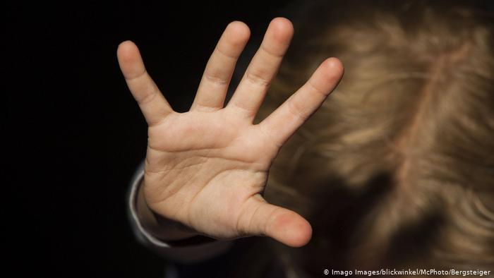 Đức điều tra 30 000 nghi can liên quan đến lạm dụng tình dục trẻ em