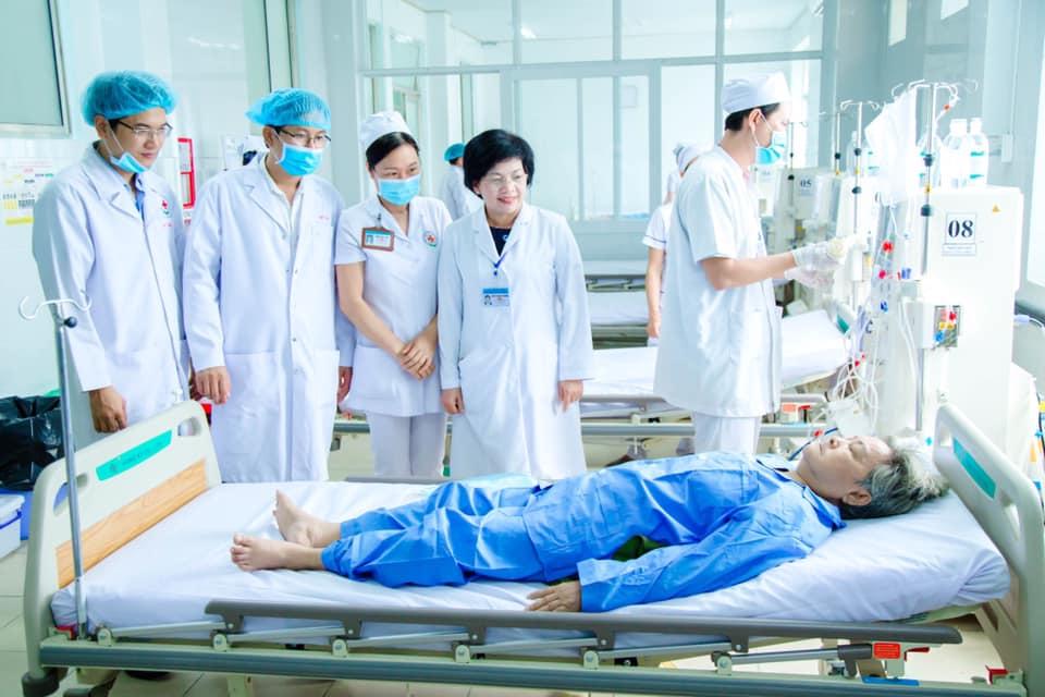 Chú trọng nâng cao y đức, tinh thần, thái độ phục vụ người bệnh