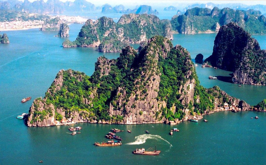 Vịnh Hạ Long thuộc top 50 kỳ quan thiên nhiên đẹp nhất thế giới