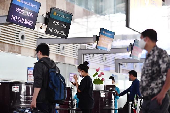 Khuyến cáo khách làm thủ tục trước 2 tiếng tại Nội Bài và Tân Sơn Nhất