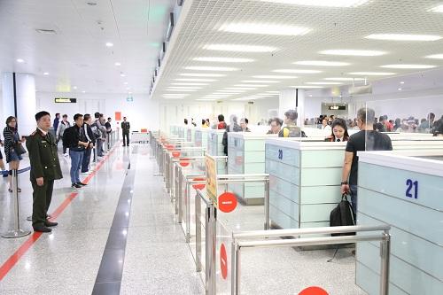 Dịch vụ công trực tuyến kiểm soát xuất nhập cảnh bằng cổng kiểm soát tự động