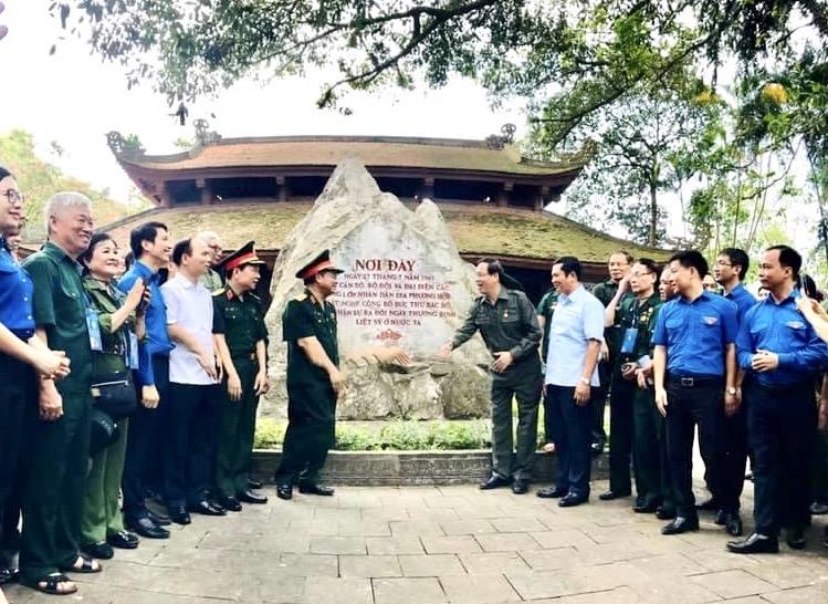 Kỷ niệm 70 năm Ngày Bác Hồ sáng lập lực lượng thanh niên xung phong Việt Nam