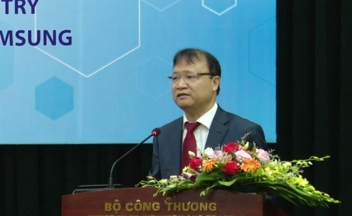 Samsung hỗ trợ đào tạo chuyên gia chế tạo, sản xuất khuôn mẫu ở Việt Nam