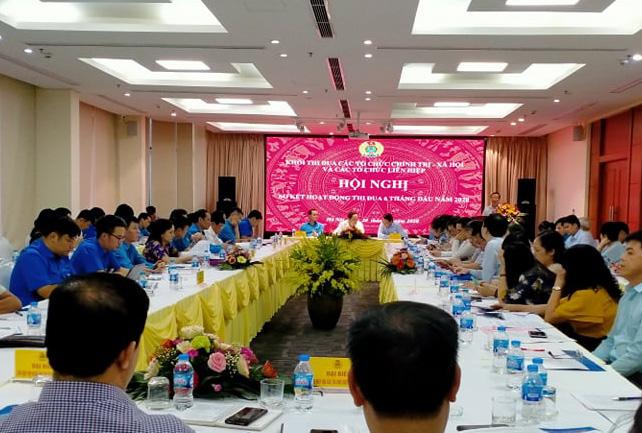Tích cực tham gia vào quá trình chuẩn bị và tổ chức đại hội đảng các cấp