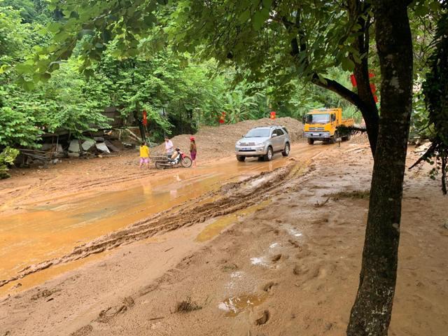 Hà Giang Nhà sập, đường ngập trong bùn do mưa lũ, sạt lở đất