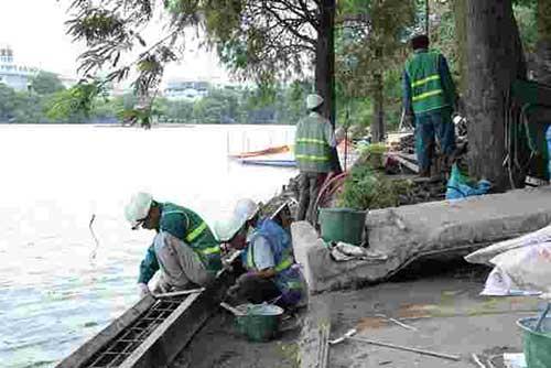 Hà Nội Đẩy nhanh tiến độ dự án thay mới đá vỉa hè hồ Hoàn Kiếm