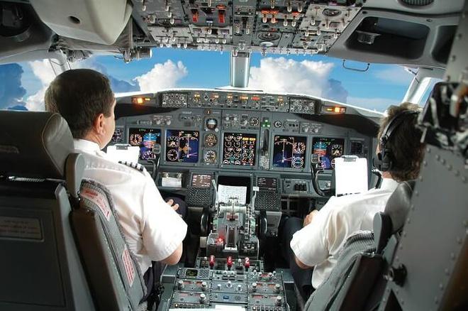 """Kiểm tra việc """"nhân bản"""" hơn 600 phiếu siêu âm của phi công, tiếp viên"""