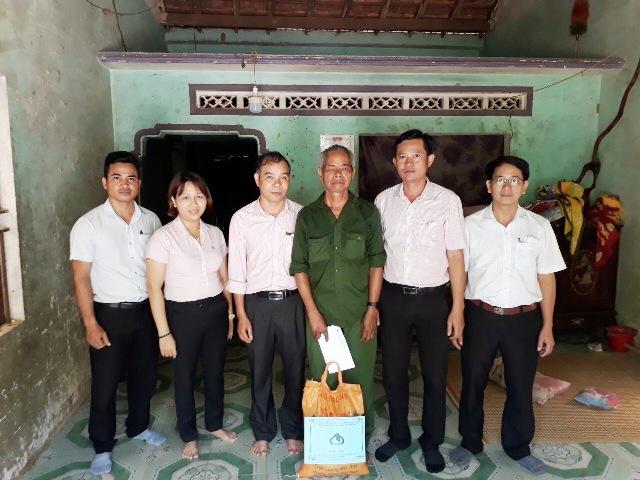 """NHCSXH tỉnh Quảng Ngãi tri ân, """"đền ơn đáp nghĩa"""" nhân Ngày Thương binh Liệt sĩ 27 7 1947- 27 7 2020"""