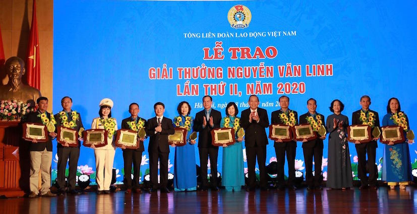 Trao giải thưởng Nguyễn Văn Linh cho 10 cán bộ công đoàn