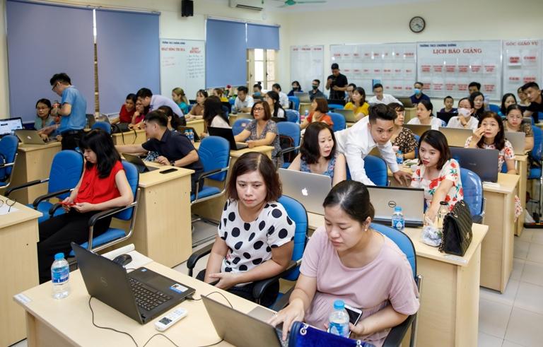 Chuyển giao vận hành hệ thống đào tạo trực tuyến Schoolly tại trường THCS Chương Dương Hà Nội