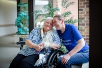 Chị em thất lạc hơn 50 năm gặp lại nhau nhờ…đại dịch COVID-19