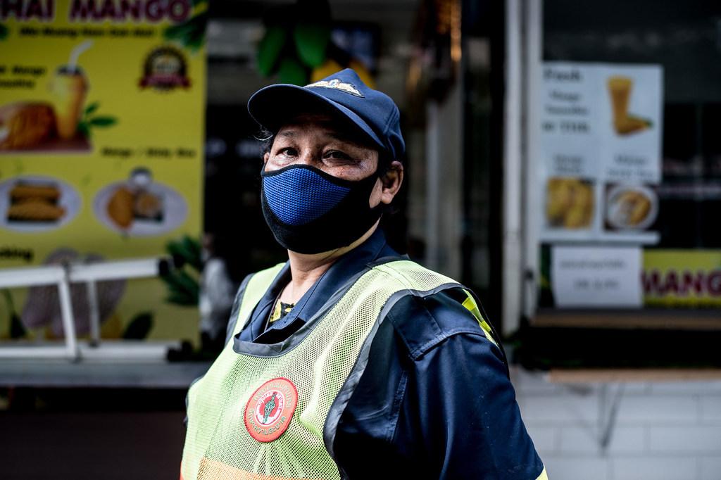 WHO khuyến khích đeo khẩu trang để chống virus Corona