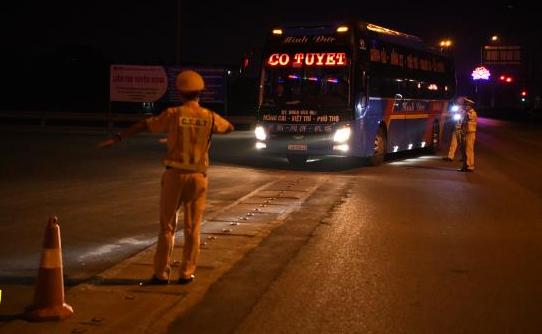 Cảnh sát giao thông tăng cường kiểm tra, xử lý vi phạm về ma túy, nồng độ cồn