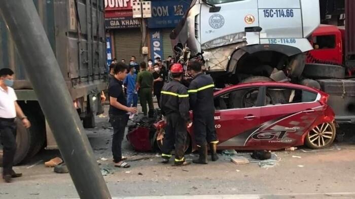 Khởi tố vụ tai nạn giao thông làm 4 người thương vong ở Long Biên Hà Nội