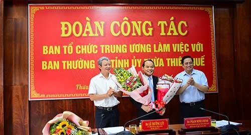 Trao Quyết định chuẩn y Phó Bí thư Tỉnh ủy Thừa Thiên Huế