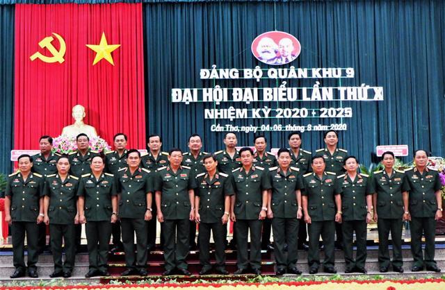 Tập trung lãnh đạo, làm tốt vai trò trong xây dựng nền quốc phòng toàn dân