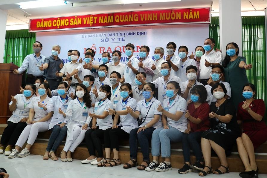 Nhân viên y tế tỉnh Bình Định tình nguyện chi viện tại Đà Nẵng