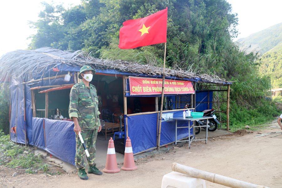 Lào Cai Bộ đội Biên phòng kiểm soát chặt biên giới để đẩy lùi dịch bệnh