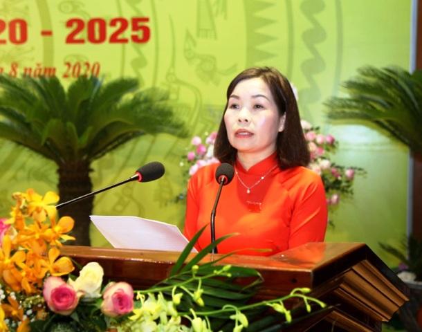 Đồng chí Phùng Thị Kim Nga tái cử Bí thư Huyện ủy Sông Lô khóa III, nhiệm kỳ 2020-2025