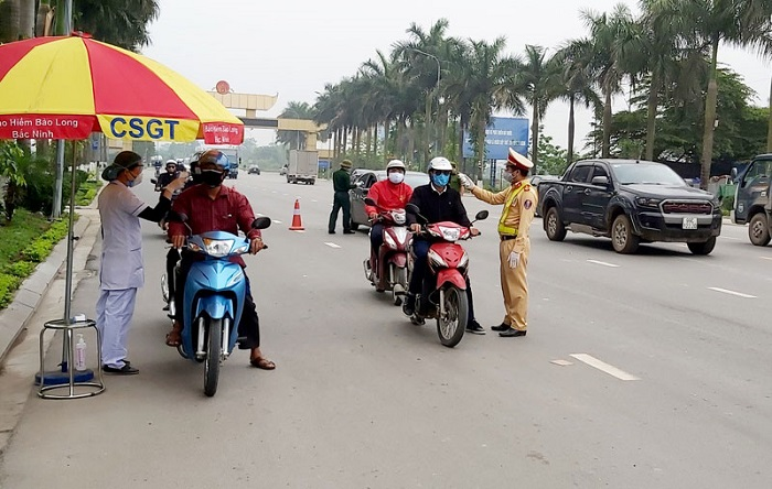 Bảo đảm trật tự, an toàn giao thông trong điều kiện phức tạp của dịch COVID-19