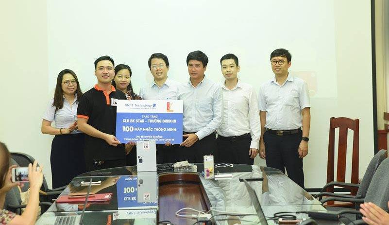 VNPT Technology trao tặng 100 máy nhắc thông minh phục vụ cho Bệnh viện Đà Nẵng