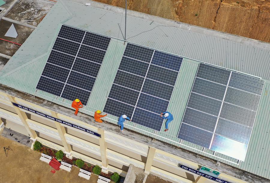 Hơn 8 700 dự án điện mặt trời mái nhà đấu nối vào lưới điện tại miền Trung