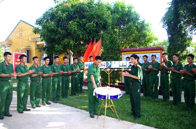 Mềm hóa công tác giáo dục pháp luật trong quân đội