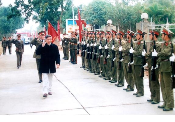 Đồng chí Lê Khả Phiêu – nhà lý luận quân sự của Đảng