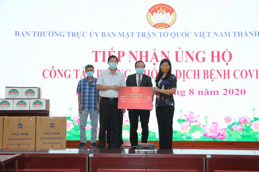 Hà Nội Nhiều doanh nghiệp ủng hộ tiền và hiện vật phòng, chống dịch COVID-19