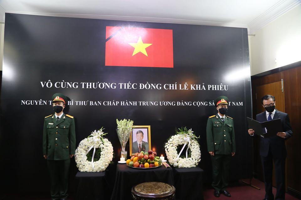 Đại sứ quán Việt Nam tại Ấn Độ tổ chức Lễ viếng nguyên Tổng Bí thư Lê Khả Phiêu