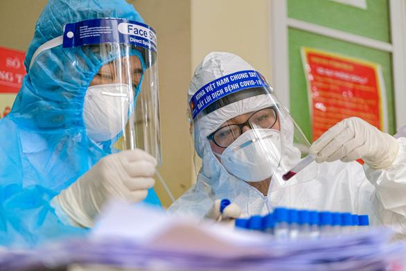 Bộ Y tế đăng ký mua vaccine ngừa COVID-19 của Nga và Anh